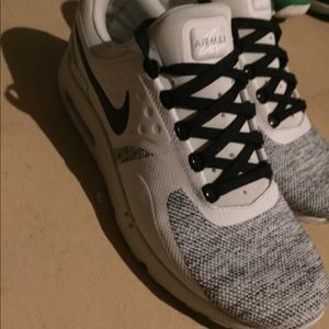 Shoes. Nike. AirMax Zero